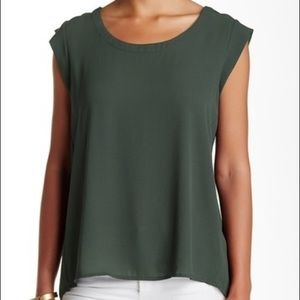 Pleione Cap Sleeve Pleat Back Blouse - Green